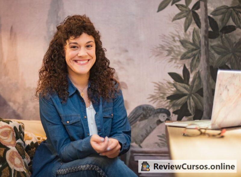 Alba Valle (Loca Sabiduría), responsable del curso el Arte de Aprender de la Ansiedad (ADLA)