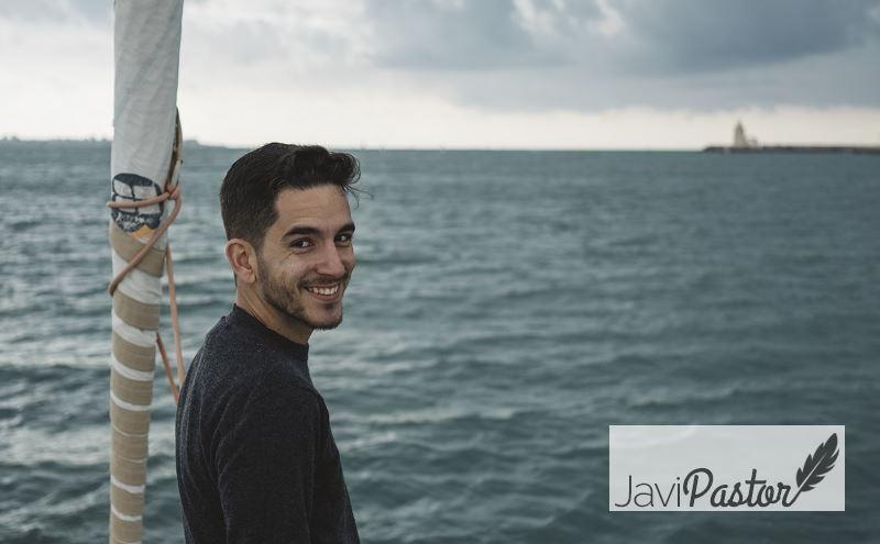 Javi Pastor, redactor profesional y creador del curso de copywriting Adopta un Copywriter