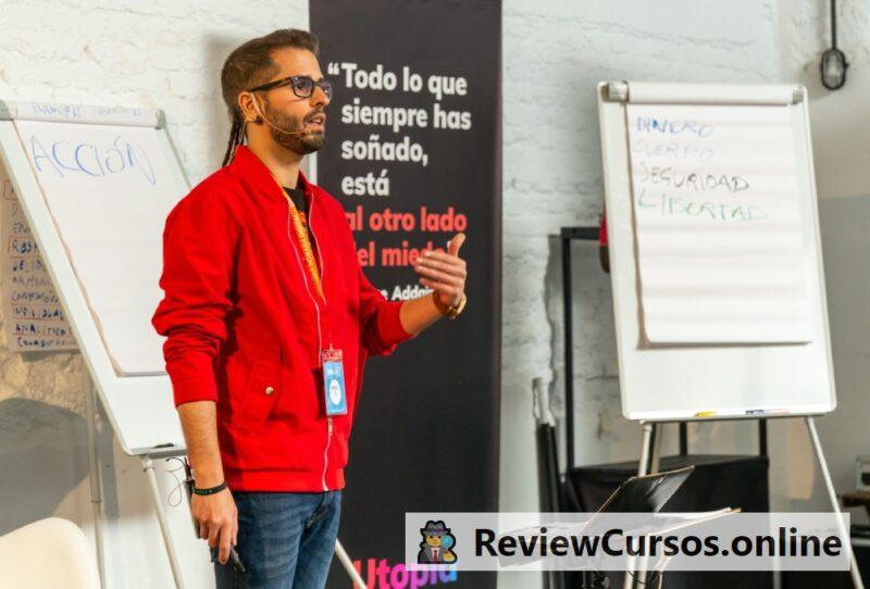 Antonio G. en el curso online END (Escuela Nómada Digital) en un evento online sobre las nuevas profesiones emergentes y el nomadismo digital